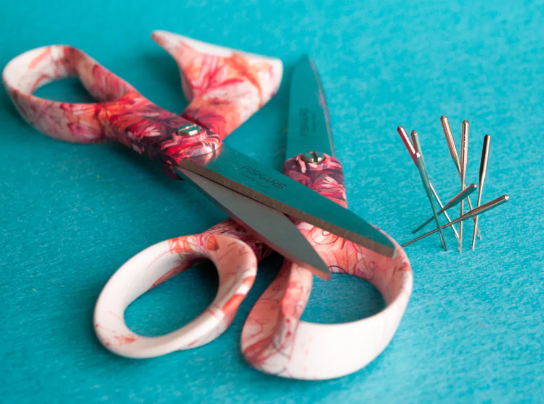 About Needles and Scissors and How Much Their Quality Matters
